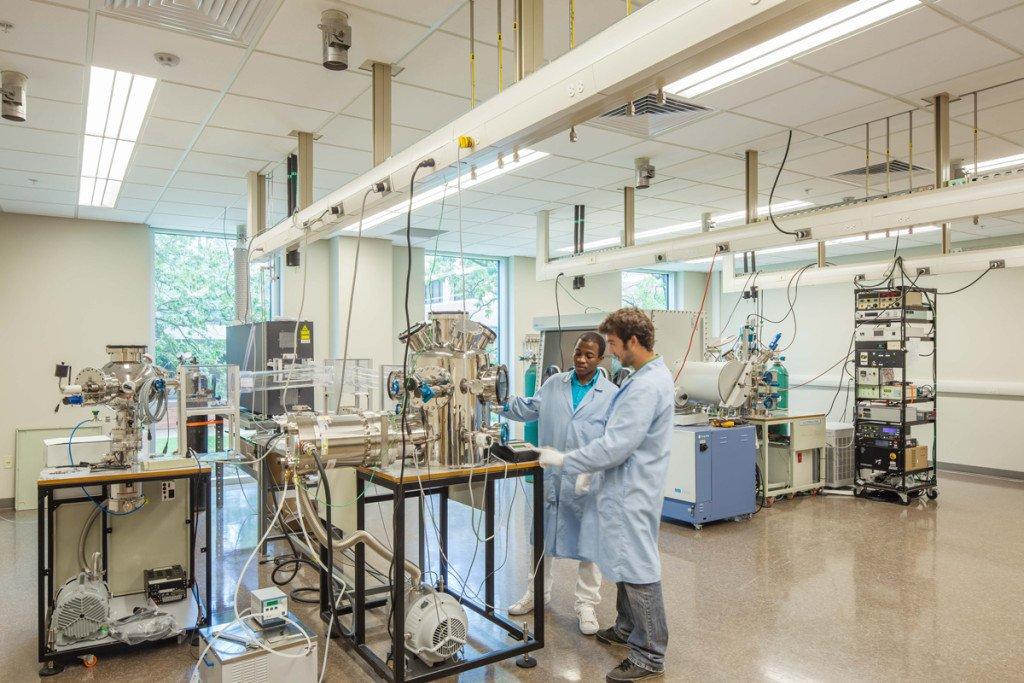 UALR Center for Integrative Nanotechnology Sciences